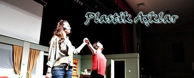 """""""Plastik Aşklar"""" Kahkahaya Boğdu"""